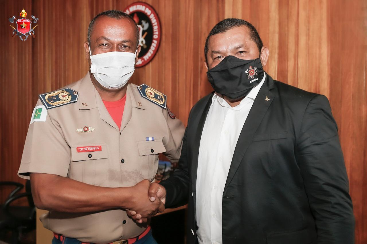 Secretário de Estado de Desenvolvimento da Região Metropolitana do Distrito Federal visita Comandante do CBMDF