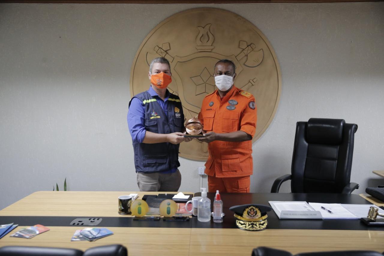 Comandante-geral recebe Administrador do Paranoá
