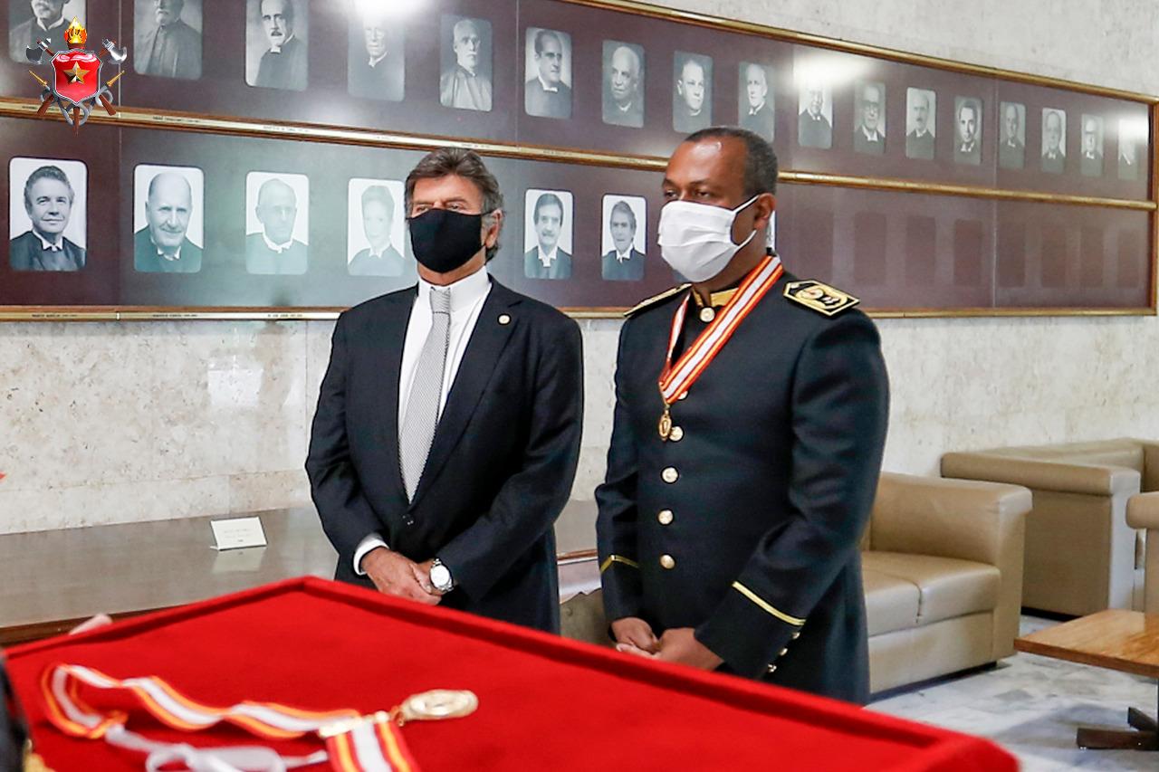 Presidente do Supremo Tribunal Federal é condecorado com a Medalha Dom Pedro II